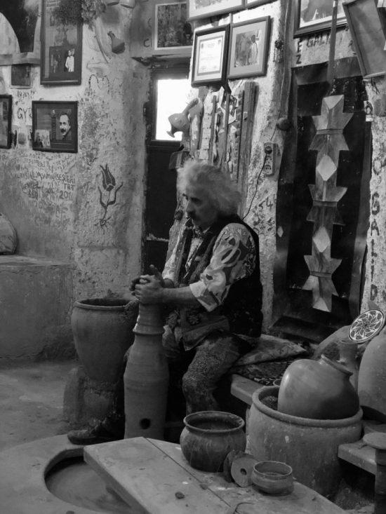 Çarklı Çömlekçilik-Making Clay Pot